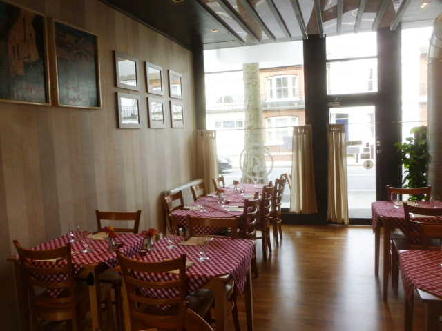 Superbly Fitted Licensed Caf� / Restaurant for sale in South Kensington, South London for sale