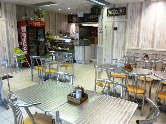 Spacious Well Equipped Caf� for sale in Ladywell, South London for sale