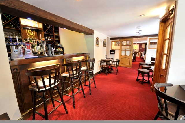 Detached Attractive Freehouse, Restaurant Plus Function Room for sale in Leighton Buzzard for sale