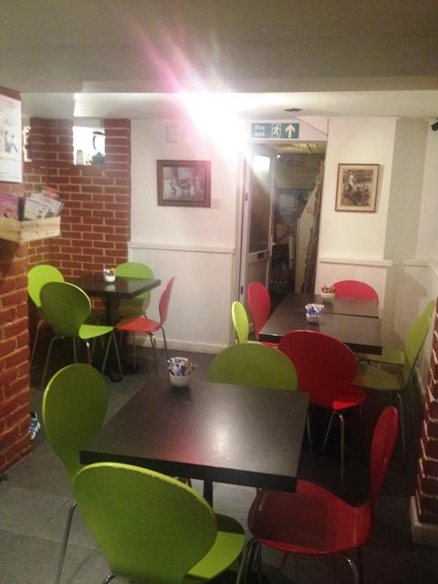 Attractive Cafe / Coffee Shop, Buckinghamshire For Sale