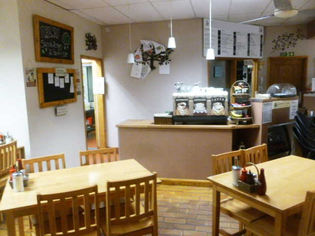Semi-detached Caf� / Restaurant (Catering For Breakfasts, Lunches, Snacks, Teas and Coffees) for sale in Middlesex for sale