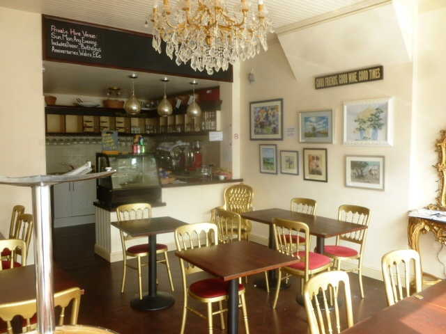 Attractive Freehold Licensed Caf� / Restaurant (Catering For Breakfasts, Light Lunches, Snacks, Teas and Coffees) for sale in Broadstairs, Kent for sale