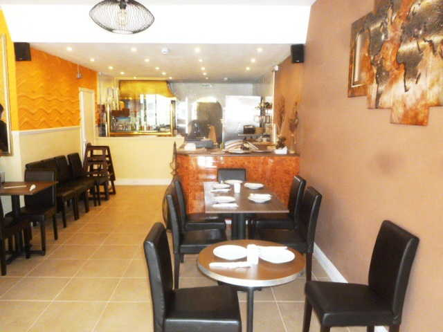 Attractive and Spacious Well Fitted Restaurant for sale in Wandsworth, South London for sale