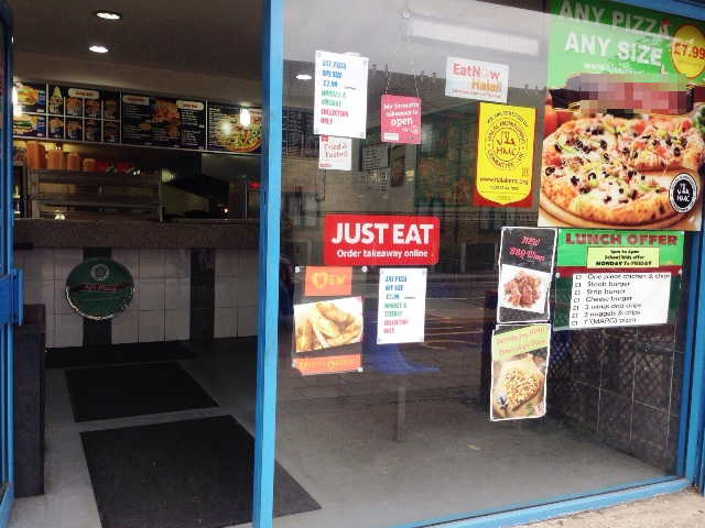 Pizza Takeaway and Chicken Shop in Essex For Sale