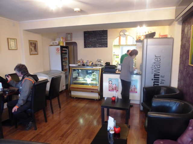 Coffee Shop plus Pizza Takeaway in Ashtead For Sale