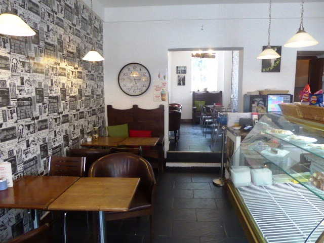 Cafe Restaurant in Leatherhead For Sale