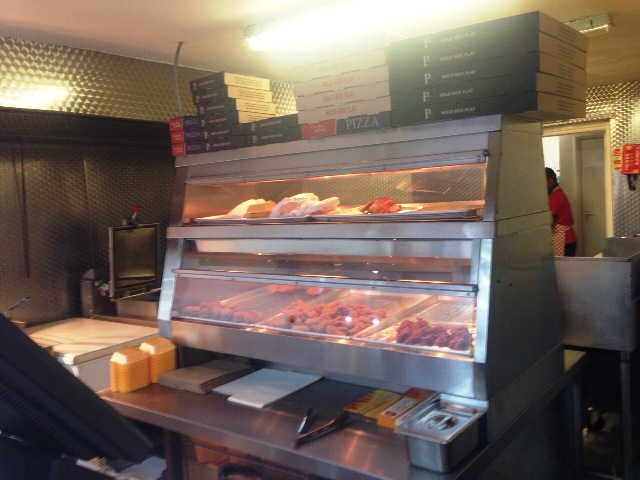 Chicken and Pizza Takeaway in Edgware For Sale
