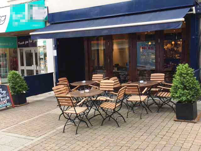 Licensed Café / Restaurant in Aldershot For Sale