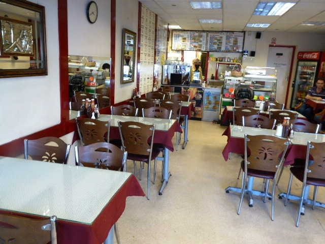Cafe and Fast Food Restaurant in East Finchley For Sale