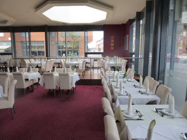 Indian Restaurant in Chertsey For Sale