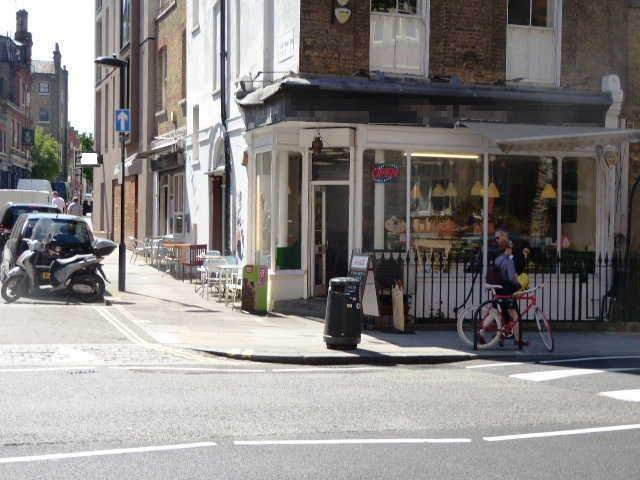 Cafe Sandwich Bar in West London For Sale