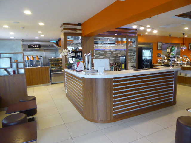Indian, Chinese and Thai Buffet Restaurant in St Neots for Sale