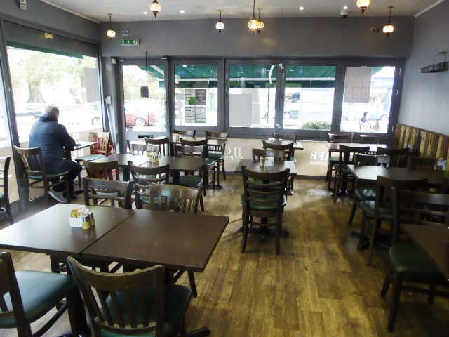 Café in Carshalton For Sale