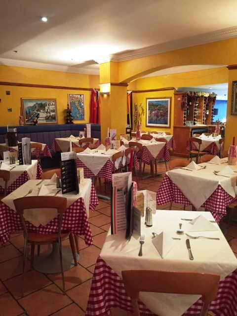 Italian Restaurant, Bar and Ice Cream Parlour in Stirling For Sale