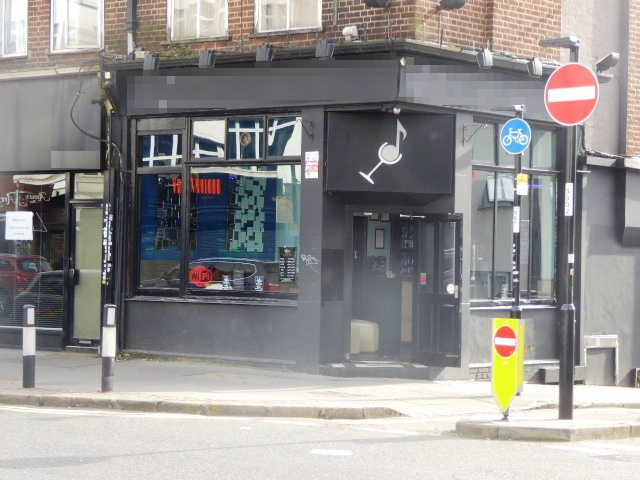 Cocktail Bar in Croydon For Sale