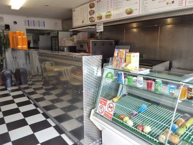 Pizza & Kebab Shop in Watford For Sale