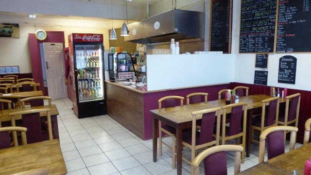 Café in Camberley For Sale