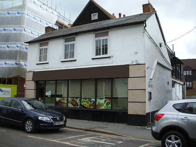Spacious Old Established Licensed Restaurant, Hertfordshire for sale