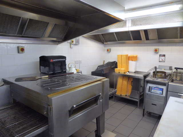 Pizza & Chicken Shop in Berkshire for Sale