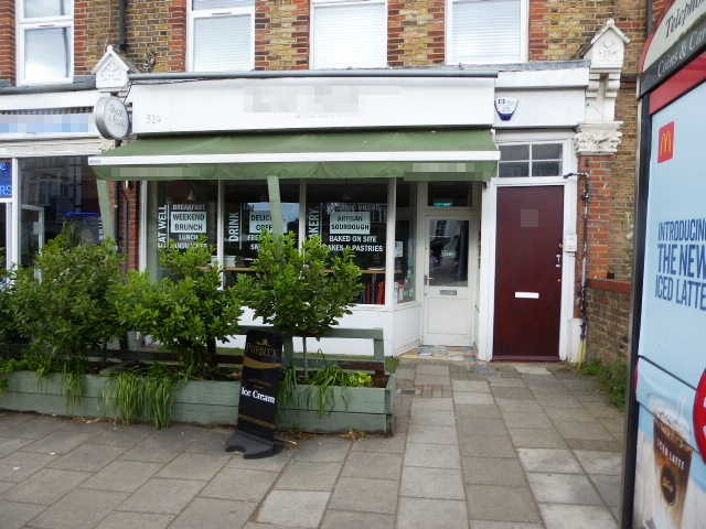 Coffee Shop & Restaurant in South London For Sale
