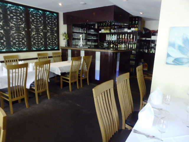 Indian Restaurant in Purley For Sale