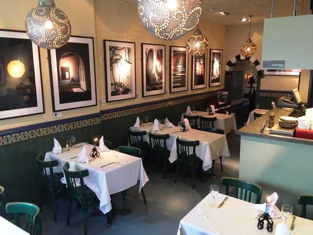 Cafe Bistro Restaurant in West London For Sale for Sale