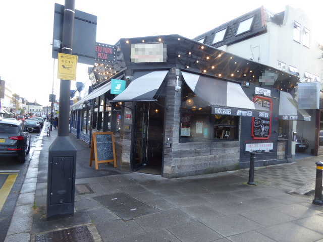 Pizza Restaurant and Takeaway in West London For Sale