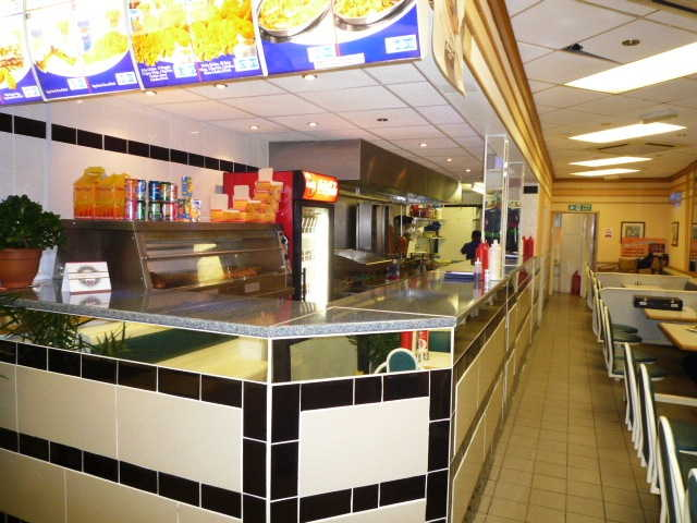 Well Equipped Fast Food and Cafe Restaurant Plus Takeaway (Previously Trading As A Wimpy Restaurant Up To 2008), Specialising In Chicken, Kebabs, Burgers, Fish, Chips, South London for sale