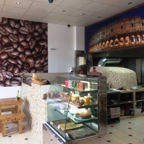 Pizza Takeaway plus Teas, Coffees & Sandwich Bar in Finchley For Sale