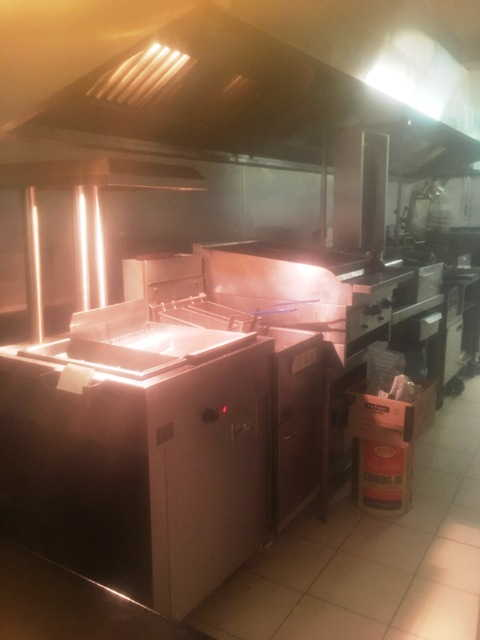 Chicken, Kebab Shop and Pizza Takeaway in Fulham For Sale